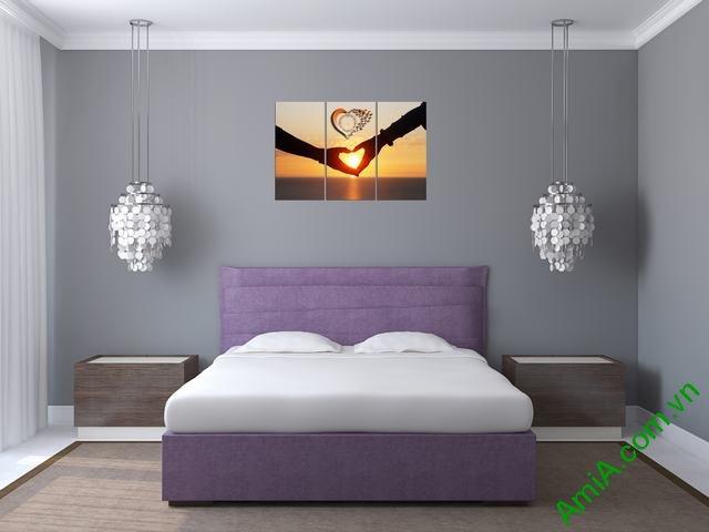Hình ảnh bộ tranh hình trái tim tình yêu treo trang trí phòng ngủ vợ chồng