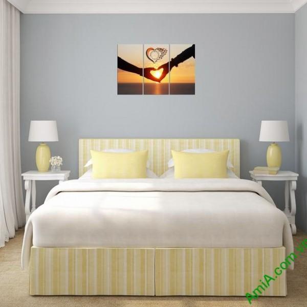 Tranh treo phòng ngủ vợ chồng đẹp và lãng mạn