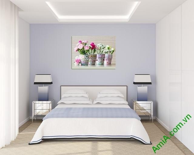 Tranh lọ hoa đẹp treo phòng ngủ vợ chồng