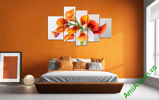 Treo tranh hoa Zum trong phòng ngủ
