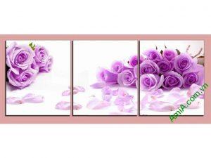 mau tranh treo tuong phong ngu dep hoa hong tim