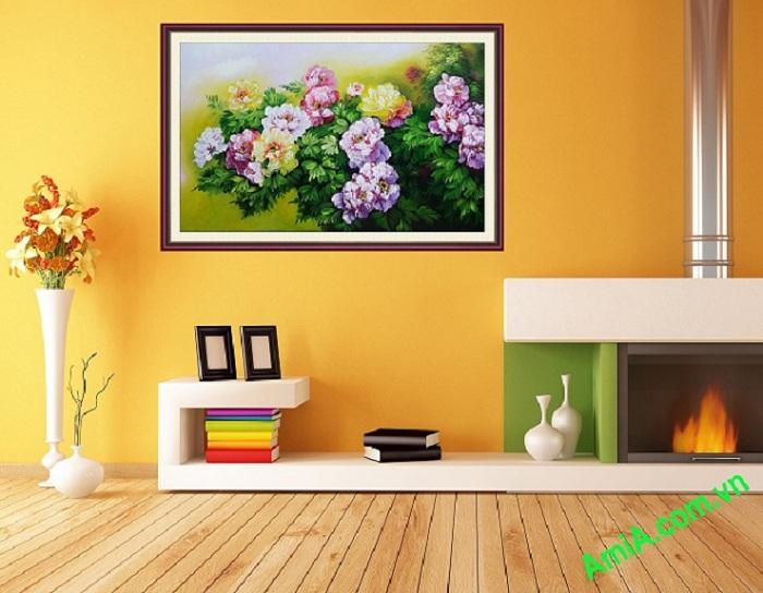 tranh hoa mau don treo phong khach hien dai
