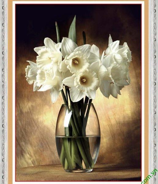 tranh trang tri nha dep binh hoa retro
