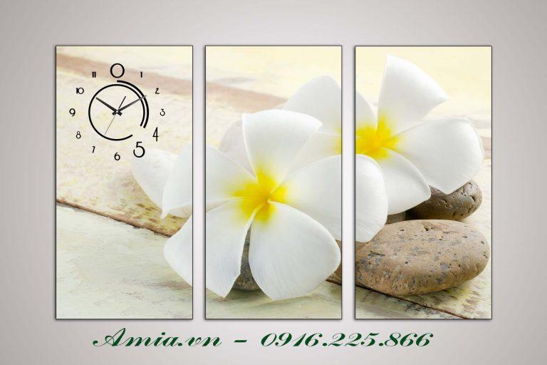 tranh treo phong spa dep bong hoa dai trang
