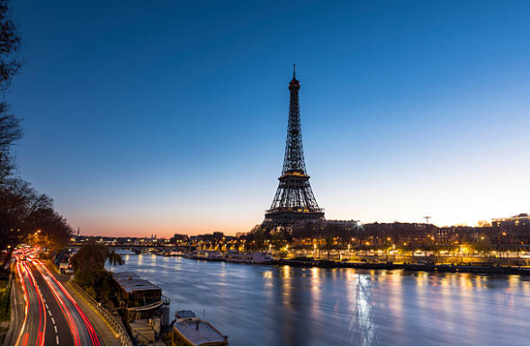 tranh phong canh thu do paris ben bo song