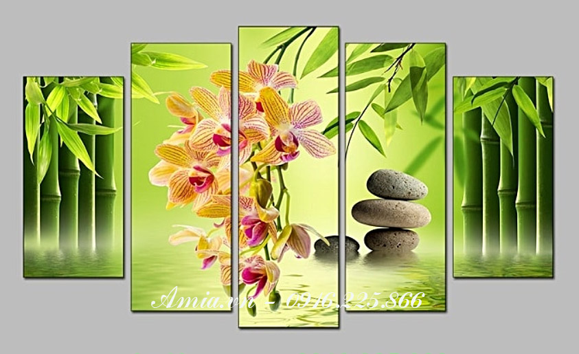 tranh hoa lan treo tuong phong khach hop phong thuy