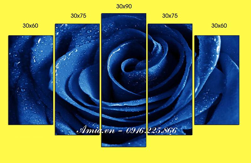 tranh hoa hong xanh treo tuong phong khach