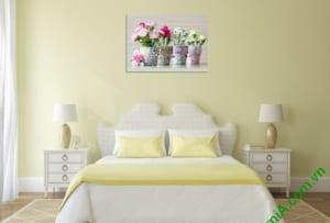 Tranh lọ hoa treo phòng ngủ rất đẹp