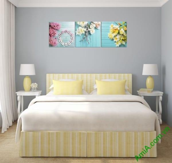 Mẫu tranh hoa đẹp treo phòng ngủ