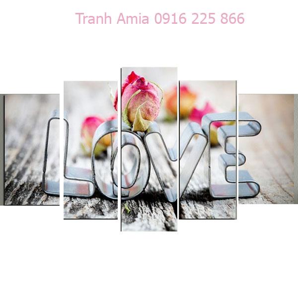 Tranh hoa hồng chữ Love dùng làm quà tặng tân hôn