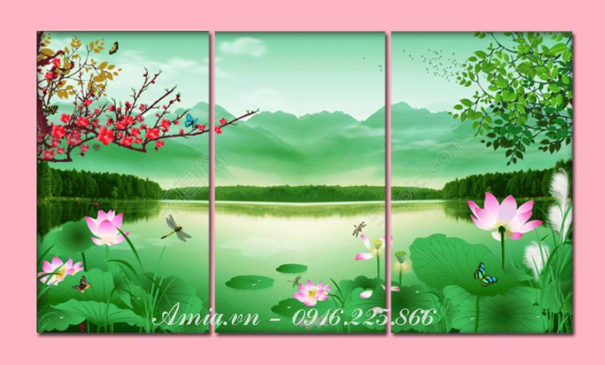 tranh hoa sen no trong dam mang phong thuy tot lanh