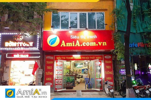 hình ảnh cửa hàng bày bán tranh treo tường tại AmiA Hà Nội