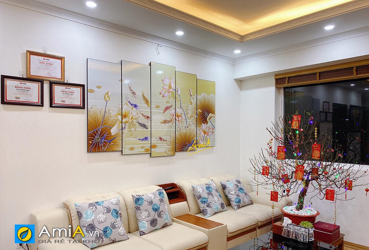 Hình ảnh Tranh cá chép sen vàng treo tường phòng khách đẹp ý nghĩa mã 1602