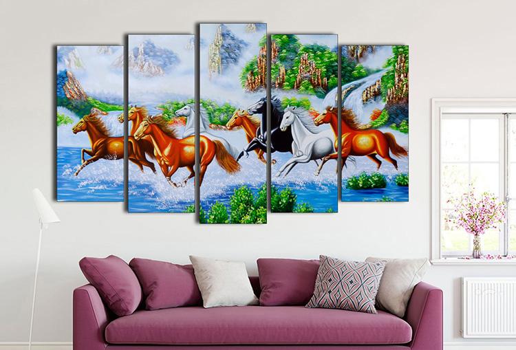 tranh ngựa chạy trên nước đẹp