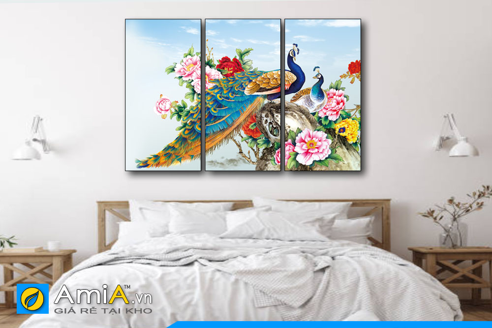 tranh chim công hoa mẫu đơn treo phòng ngủ