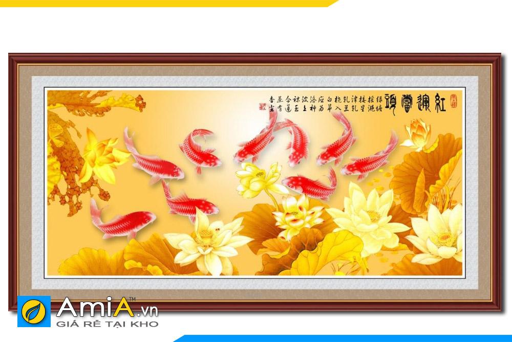 tranh sen và cá chép màu vàng