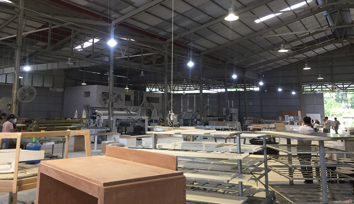 xưởng sản xuất sofa gỗ