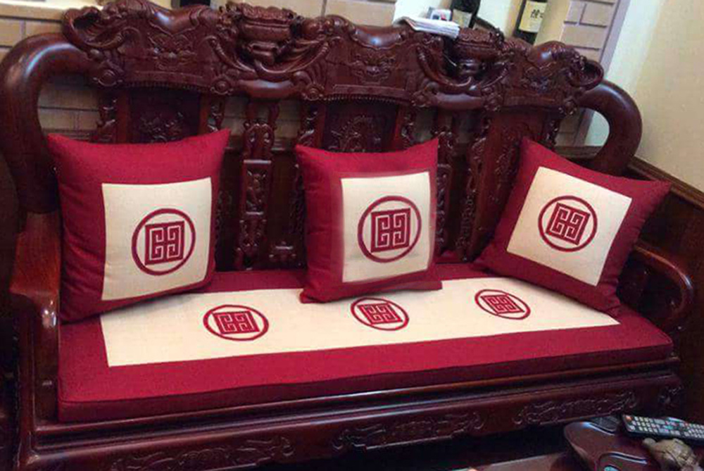 Đệm ghế lót bàn ghế đồng kị - Làm đệm sofa gỗ theo yêu cầu