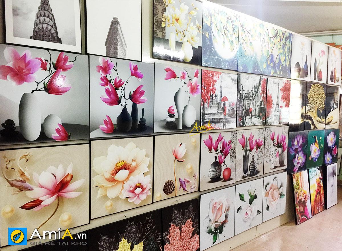 Hình ảnh Khu vực bày trí tranh canvas tại siêu thị tranh AmiA