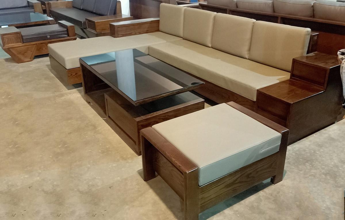 Sofa gỗ góc chữ L có đệm màu ghi sáng