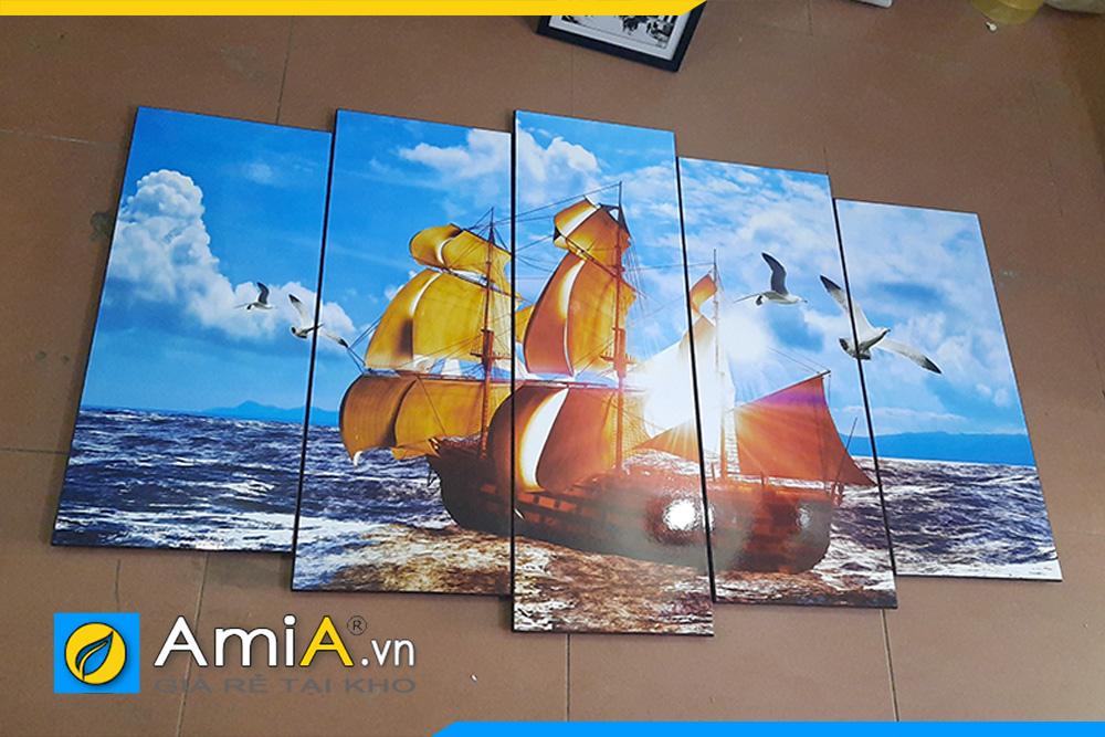 Hình ảnh thực tế mẫu tranh thuyền buồm chụp tại cửa hàng