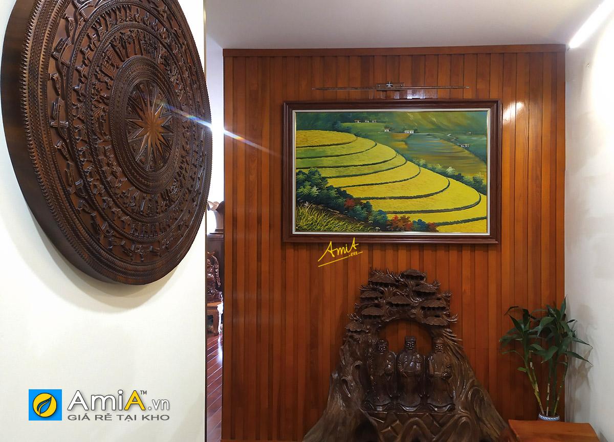 Hình ảnh Bức tranh ruộng bậc thang vụ mùa bội thu đồng lúa chín vàng