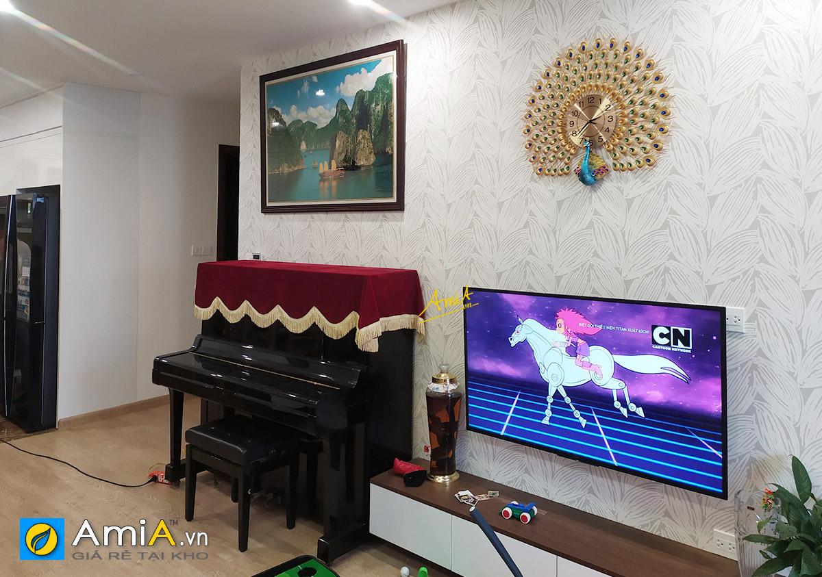 Hình ảnh Tranh phong cảnh đẹp Vịnh Hạ Long treo trên đàn piano