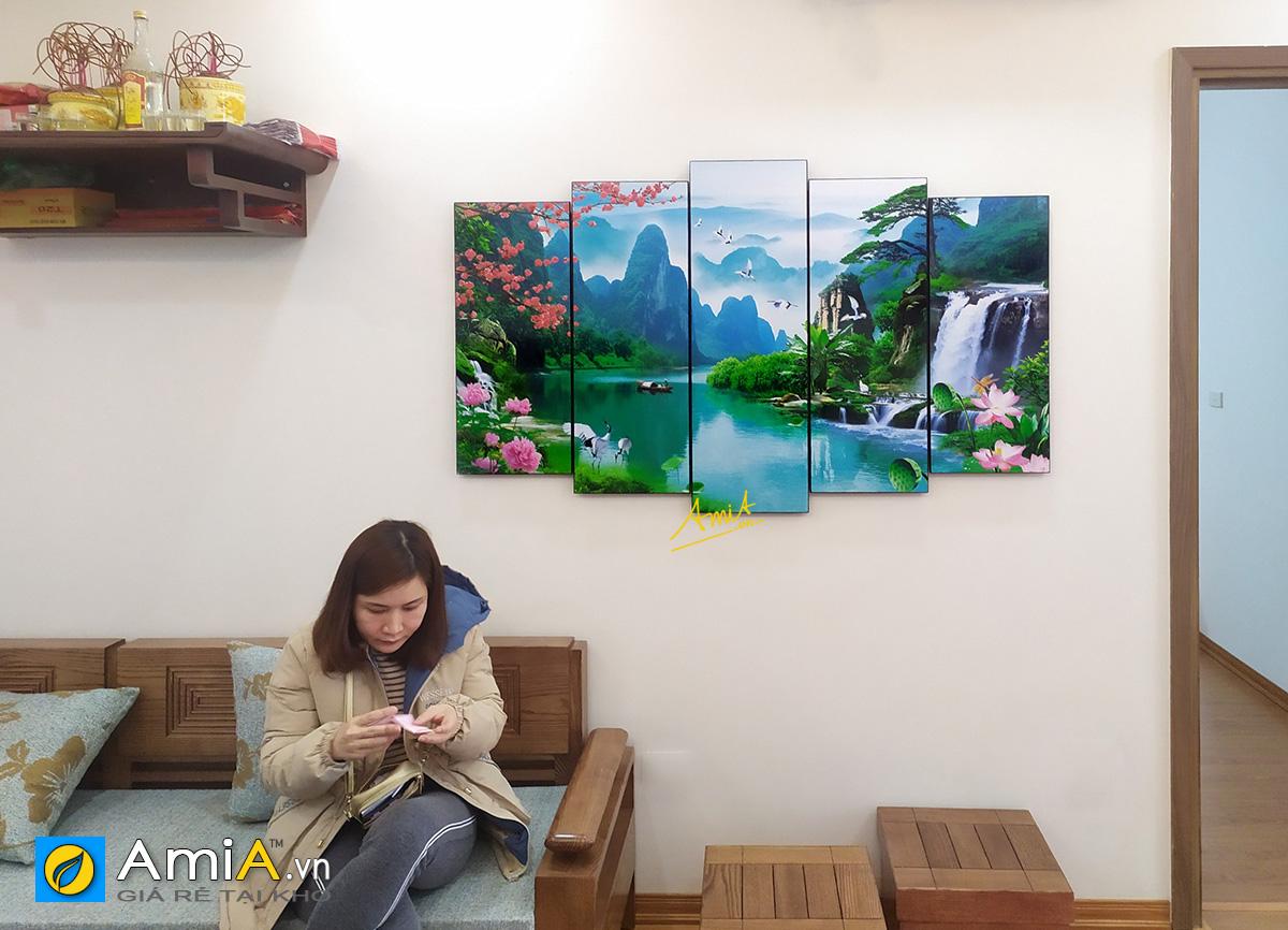 Hình ảnh Tranh sơn thủy hữu tình treo tường đẹp ý nghĩa phong thủy