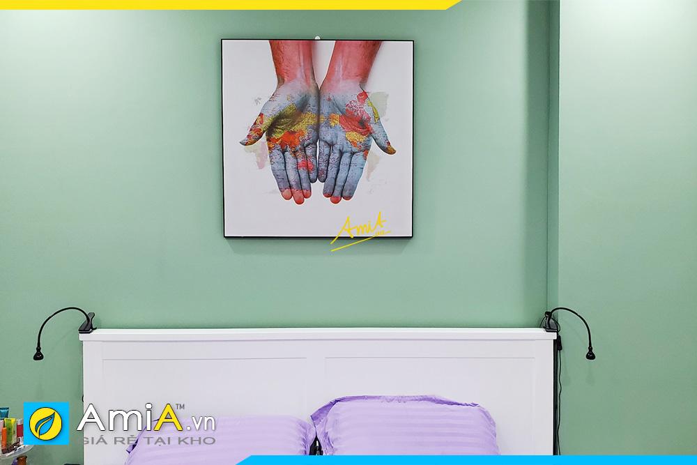 Hình ảnh Tranh đôi tay đặt làm theo yêu cầu treo tường phòng ngủ