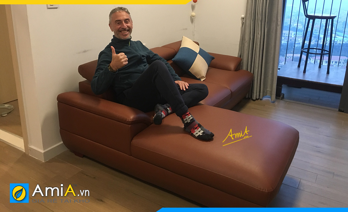 Hình ảnh bộ sofa góc da khách hàng gửi phản hồi lại cho AmiA