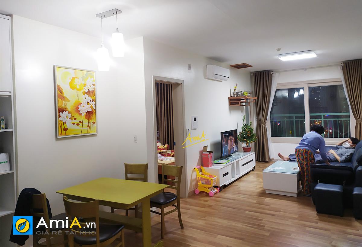 Hình ảnh Tranh đẹp hoa sen vàng khổ dọc treo tường bàn ăn mã tsd 436