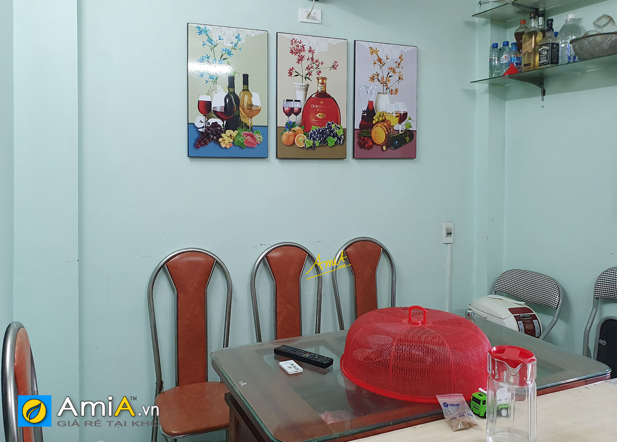 Hình ảnh Bộ tranh rượu và hoa quả trang trí phòng ăn đẹp ghép bộ 3 tấm