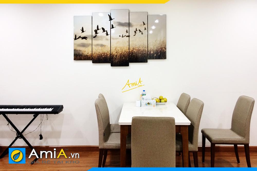 Hình ảnh Tranh phong cảnh đàn chim bay trang trí tường phòng ăn đẹp