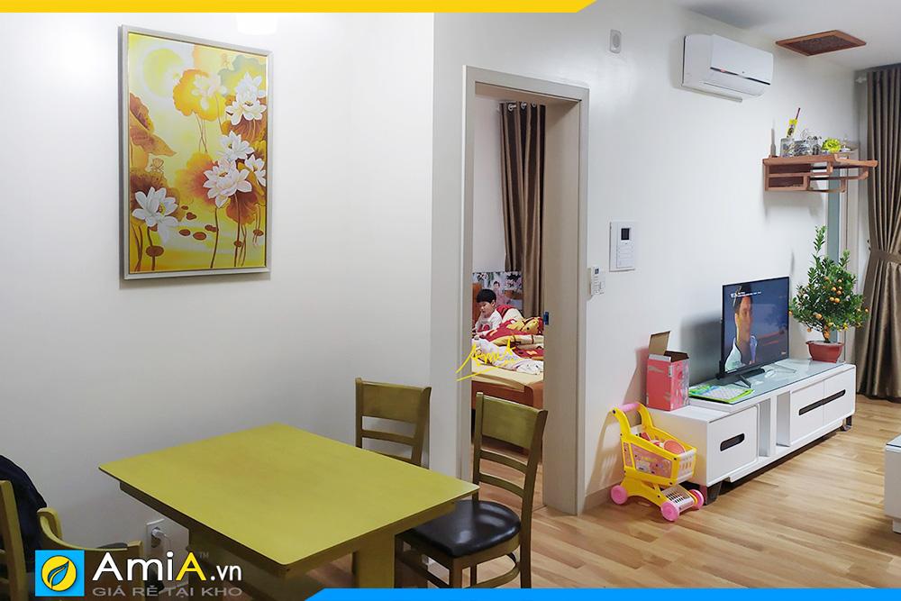 Hình ảnh Tranh treo tường bàn ăn chủ đề hoa sen vẽ sơn dầu AmiA TSD 436