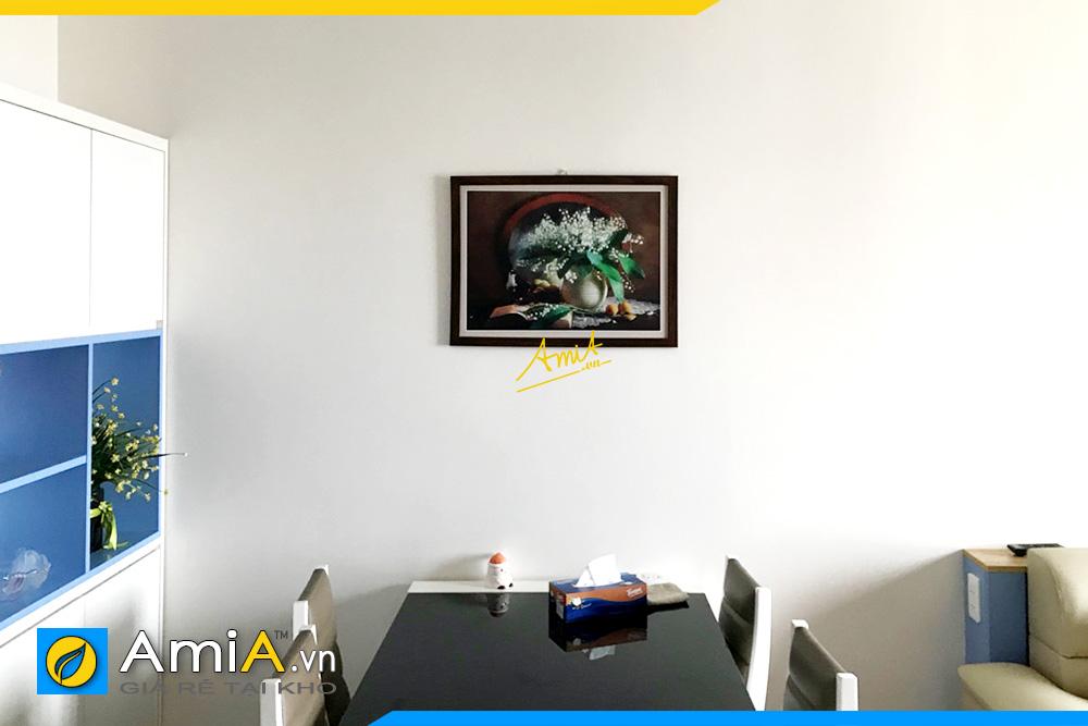 Hình ảnh Tranh treo tường phòng ăn tĩnh vật bình hoa trắng li ti AmiA 582